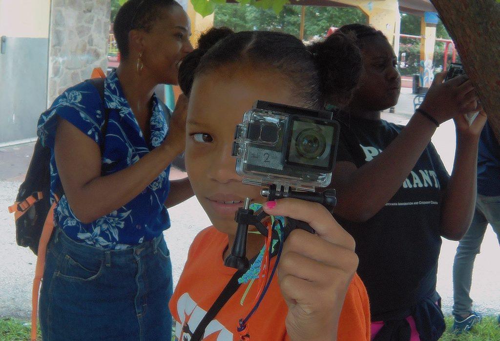 Student photo exhibition tells the stories of Fairmount Park and Strawberry Mansion Thumbnail
