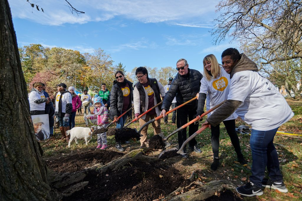 Relive Love Your Park Fall Service Day, in 15 great photos Thumbnail