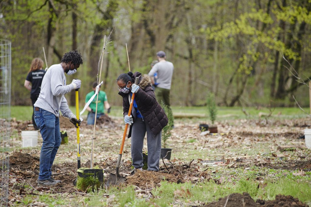 Volunteer Cleanup in Fairmount Park Thumbnail
